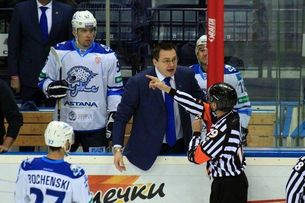 Andrei Nazarov otti marraskuun lopussa yhteen suomalaistuomari Jyri Rönnin kanssa.