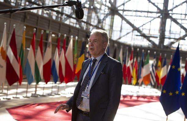 Ulkoministeri Pekka Haavisto puhui medialle saapuessaan EU:n ulkoministereiden kokoukseen Brysselissä 13.7.2020.