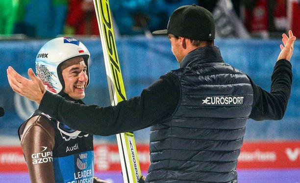 Nykyisin Eurosportin asiantuntijana toimiva Sven Hannawald halasi Kamil Stochia lämpimästi.