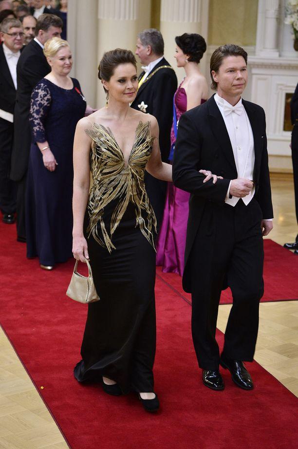 Lymi saapui Linnan juhliin nykyisen aviomiehensä kanssa.