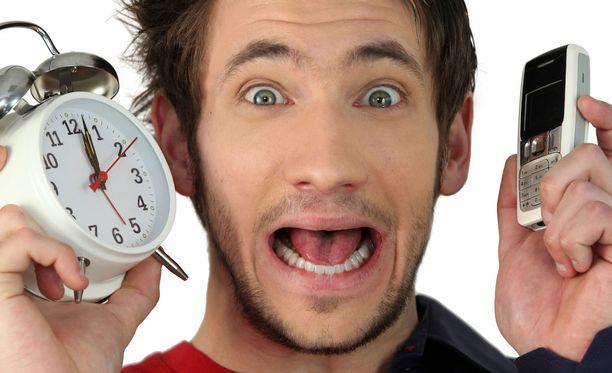 Krooniseen myöhästelyyn voi olla monia syitä. Aina se ei ole kello.