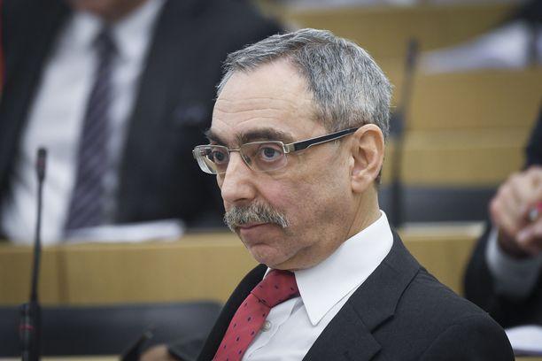 Kansanedustaja Ben Zyskowicz (kok) on istunut eduskunnassa 40 vuotta putkeen.
