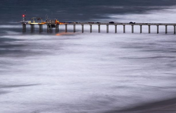 Los Angelesissakin sää on ollut sekaisin vuoden aikaan nähden. Kovia tuulia ja aaltoja.