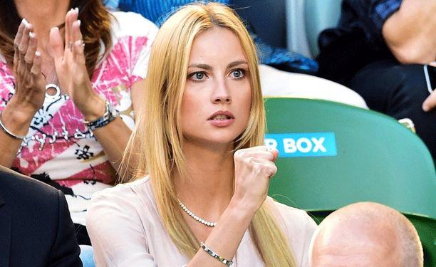 Ester Satorova nähdään usein Tomas Berdychin tukena.