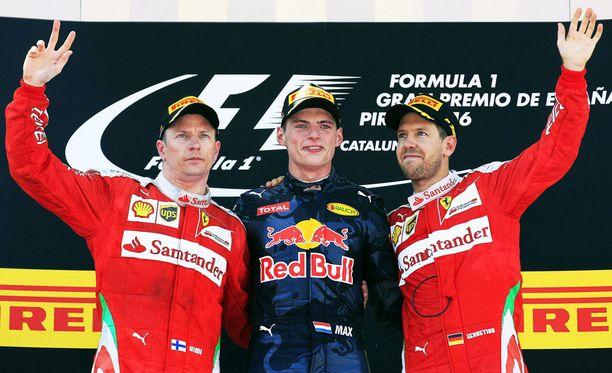 Kimi Räikkönen ja Sebastian Vettel joutuivat toteamaan Max Verstappenin nopeammakseen Barcelonassa.