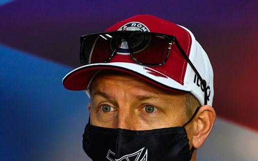 """Kimi Räikkönen joutui keskelle draamaa testipäivän päätteeksi – espanjalaiskuski """"jahtasi"""" Jäämiestä: """"Ehkä häntä otti päähän"""""""