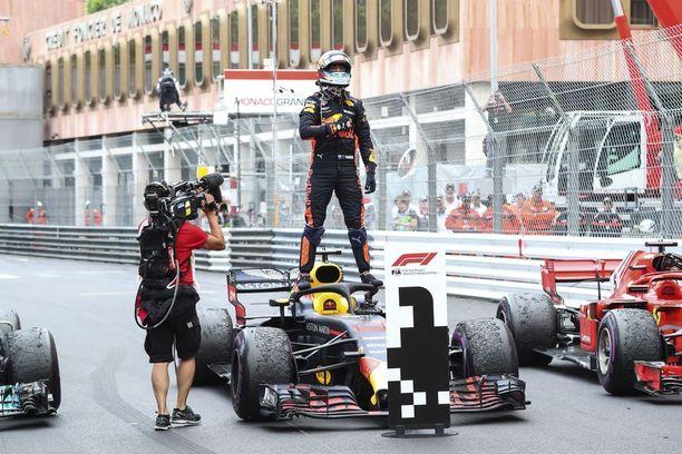 Daniel Ricciardo on ajanut kaksi kertaa Red Bullinsa ykkösenä ruutulipulle. Vaikka talli antaa Renault-moottorinsa johdosta huomattavasti tasoitusta Ferrarille ja Mercedekselle, Ricciardo ja tallitoverinsa Max Verstappen ovat parantaneet vauhtiaan huimasti viime kauteen verrattuna.