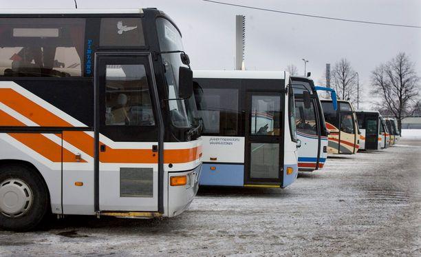 Epäiltynä ovat linja-autoliitto ja sen parikymmentä jäsenyhtiötä. Kuvituskuva.