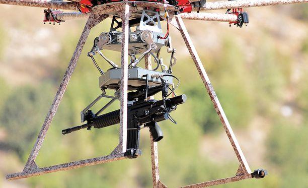 Keskeinen keksintö oli se, miten kopteri, ase ja kamera pidetään vakaana laukaisun jälkeen.
