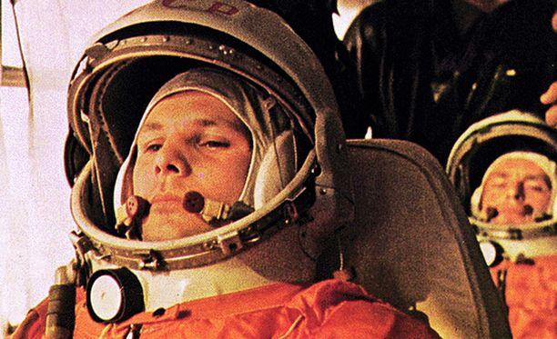 Lennä, Juri Gagarin, lennä!