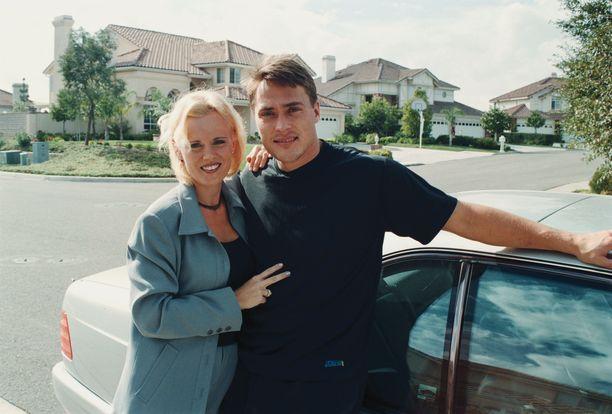 Sirpa ja Teemu Selänne syksyllä 1998.