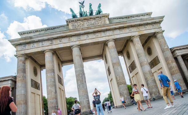 Brandenburgin portti on yksi Euroopan kuvatuimmista kohteista. Se sijaitsee EM-maratonin varrella. Vuosittain järjestettävällä Berliinin maratonilla hikiliikkujat kiiruhtavat sen läpi.