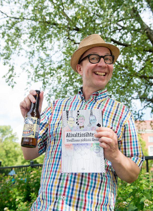 Simo Frangénilla on nimikko-olut Maisteri Simo. Ja sen kaverina Timo Jutilalla Mestari Timo.