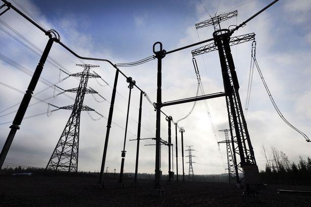 Sähkösopimuksia kauppaava Fi-Nergy on saattanut alkaa laskuttamaan asiakkaita, vaikka nämä eivät ole hyväksyneet sopimusta tai saaneet vahvistusta siitä.