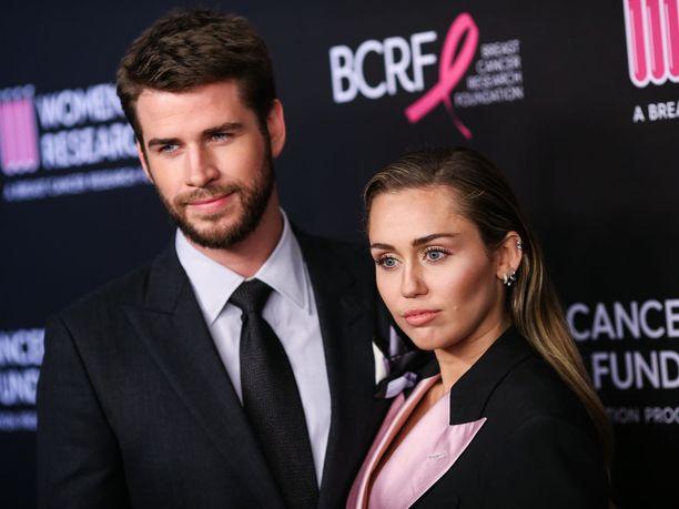Viikonloppuna uutisoitiin Liam Hemsworthin ja Miley Cyruksen yllätyserosta.