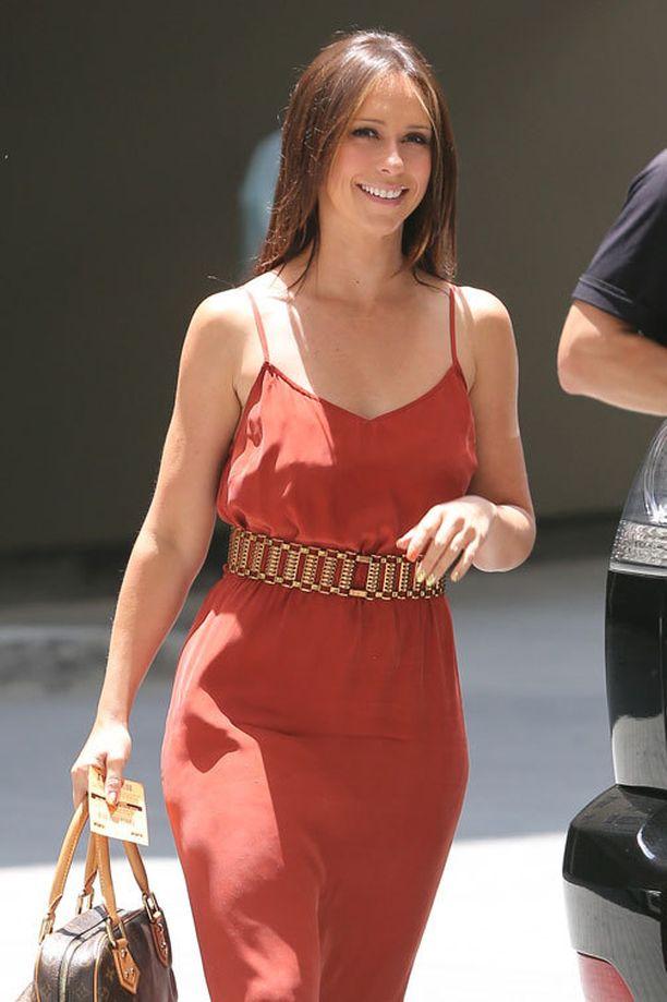 Jennifer bongattiin tällä viikolla upean näköisenä huhuista huolimatta Beverly Hilssissä.