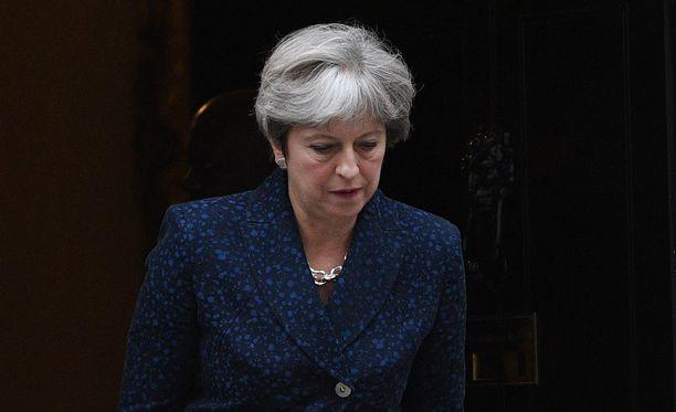 Theresa Mayn mukaan uusi terrori-isku Isossa-Britanniassa saattaa tapahtua pian.