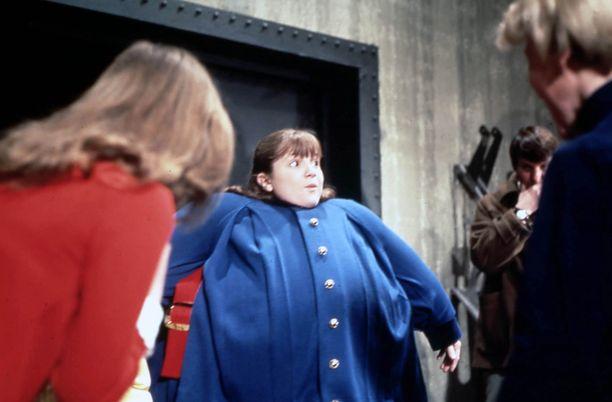 Jali ja Suklaatehdas -elokuvassa Denise Nickersonin hahmo Violet paisui mustikaksi.