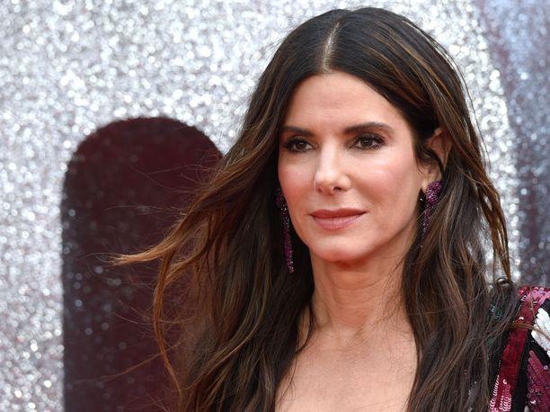 Näyttelijä Sandra Bullock, 54, ei ole vielä itse kommentoinut isänsä kuolemaa.