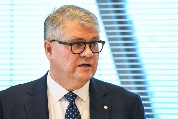 Jussi Pesosen perustelut Kaipolan sulkemisesta ovat kirvoittaneet kritiikkiä.