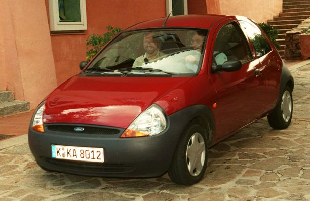 90-luvun lopun Ford KaŽssa onnettomuusriski on suuri (riskiluku 2,08).