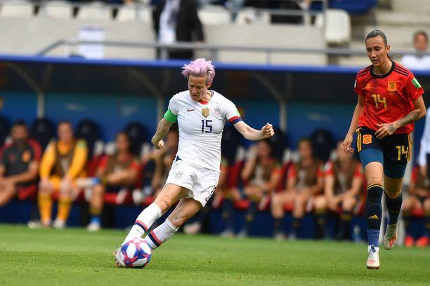 Megan Rapinoe iski Yhdysvaltojen molemmat maalit pilkulta Espanjaa vastaan.
