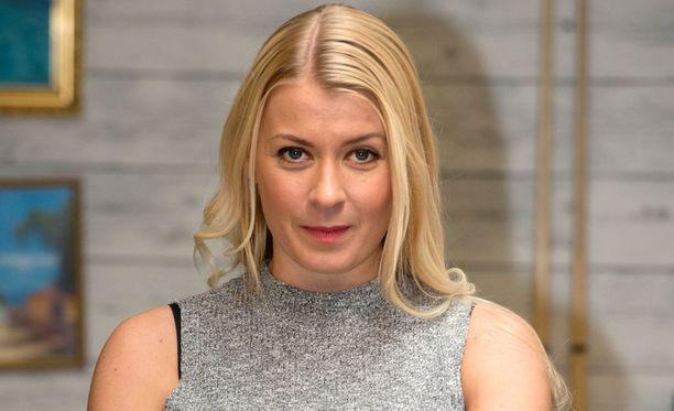Monika Lindemanin näyttelemä Linda Eerikäinen on muun muassa selvitellyt murhamysteeriä.