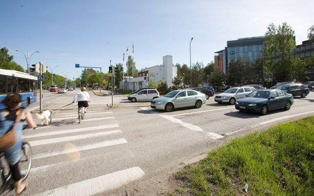 Tietämättömyys liikennesäännöistä ovat yksi syy pyöräilijöiden onnettomuuksien taustalla.