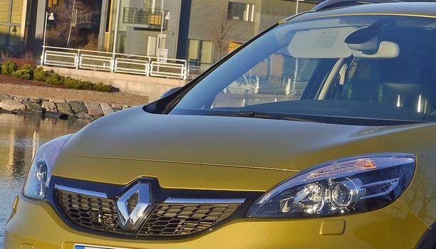 Uutta Renaultia luvassa lähiviikkoina tämän neliveto-Scenicin rinnalle.