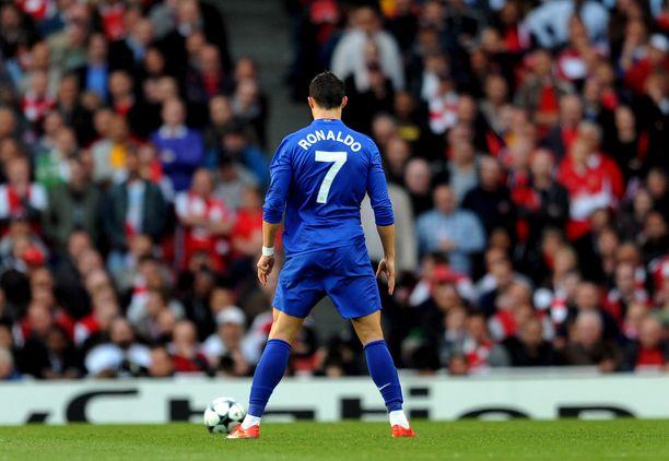 Cristiano Ronaldo ja legendaarinen seiskapaita Manchesterissa vuonna 2009.