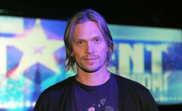 Mikko von Hertzenilla on omakohtaista kokemusta tositv:stä. Hän oli vuonna 2012 Talent-tuomarina.