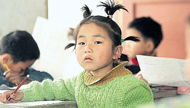 Kiinalaislapset saavat esikuvakseen pohjoisen mallin.