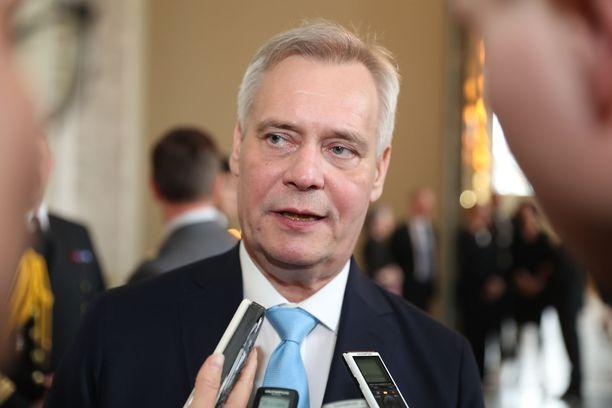 Antti Rinne antoi kysymyksensä eduskuntaryhmien purtavaksi.
