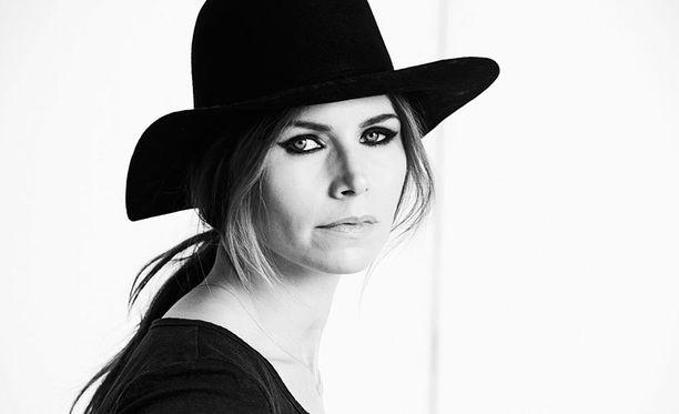 Nina Persson sanoo syövästä paranemisen antaneen puhtia elämään.