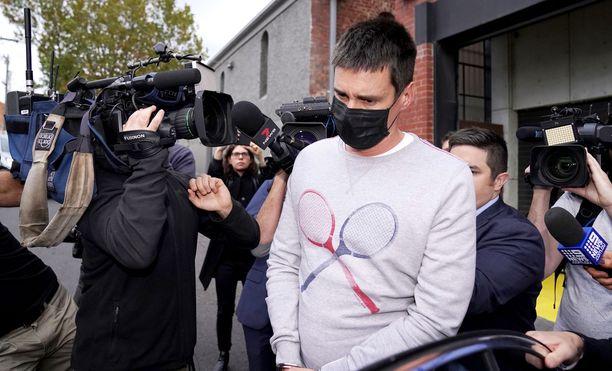 Richard Pusey kuvasi kännykällään kuolevaa poliisia useita minuutteja.
