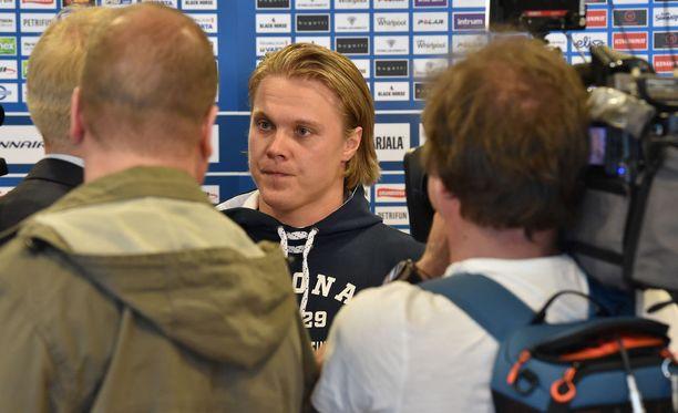 Mikael Granlund toimii Leijonien kapteenina Tanskan MM-kisoissa.