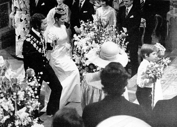 Kaarle Kustaa ja Silvia menivät naimisiin kesäkuussa 1976.
