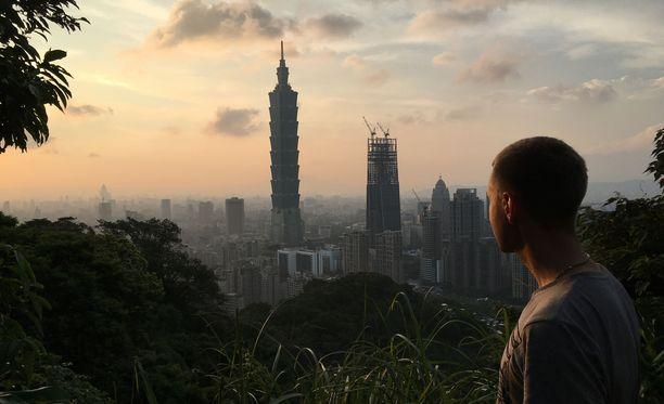Tero Salmén on tehnyt reissuja eri puolille Aasiaa. Tämä kuva on otettu Taipeissa vuonna 2016.
