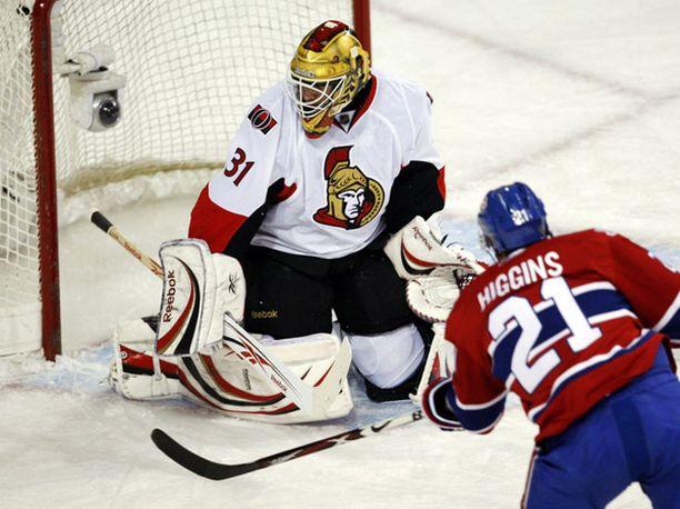 Canadiensin Chris Higgins iski hattutempun.