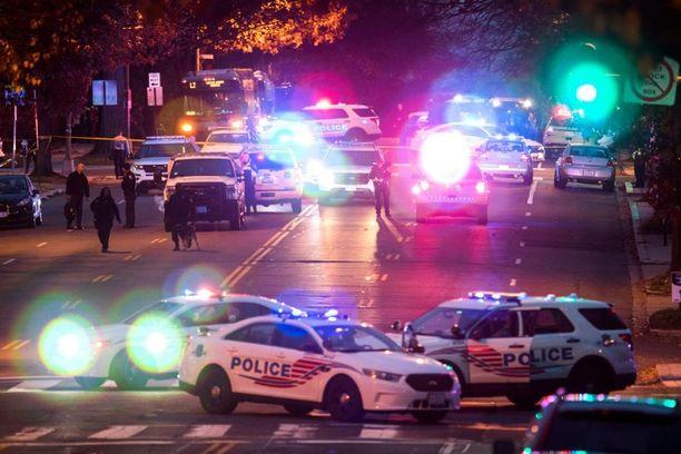 Internetissä levinnyt valeuutinen johti poliisin suuroperaatioon Washingtonissa.