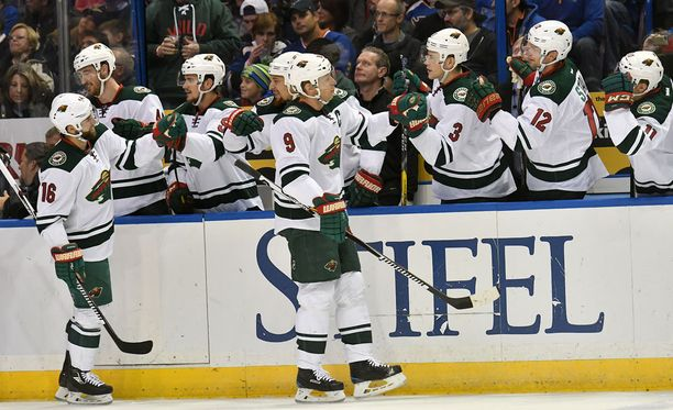 Mikko Koivu nosti joukkueensa tasoihin kolmannessa erässä, mutta Calgary vei lopulta voiton voittolaukauskisassa.
