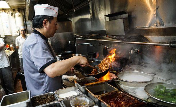Siirtolaiset ovat tuoneet mukanaan muun muassa ruokakulttuurinsa. Kiinalainen ravintola New Yorkissa.