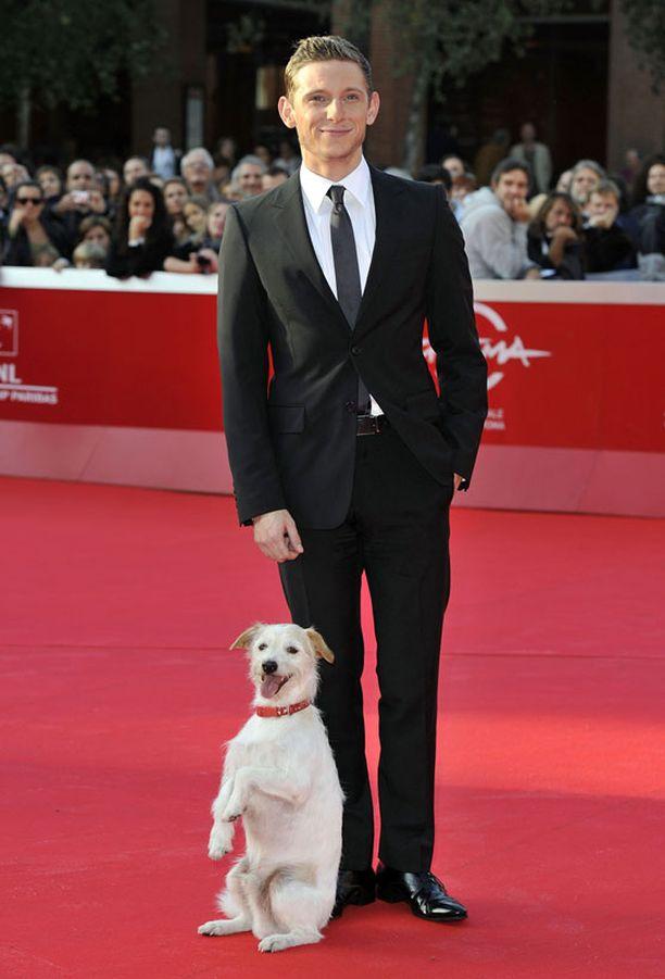 """Jamie ja """"Milou"""" Rooman elokuvafestivaalien punaisella matolla."""