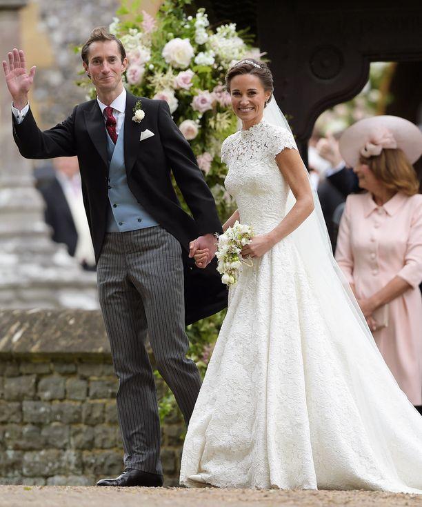 James ja Pippa avioituivat vuosi sitten toukokuussa.
