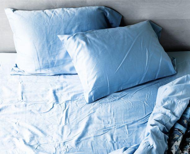 Vuoteen sijaamatta jättäminen on hyödyllistä, sillä silloin yön aikana tullut kosteus haihtuu.