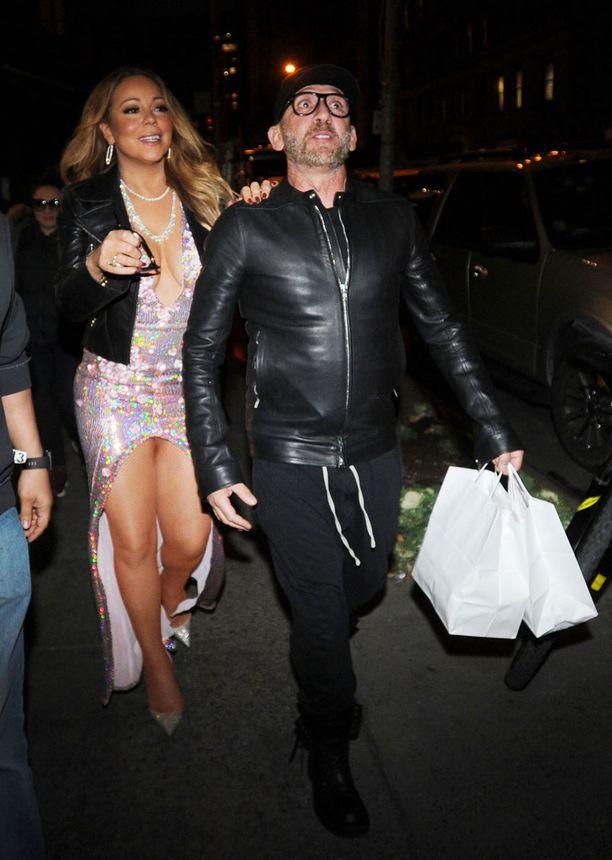 Mariah Careyn ja mysteerimiehen takit käyvät hyvin yhteen.