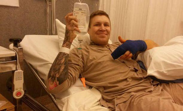 Jarkko Jussilan urheilu-ura on katkolla humalaisen sekoilun takia. Kuva sairaalasta tapahtuneen jälkeen.