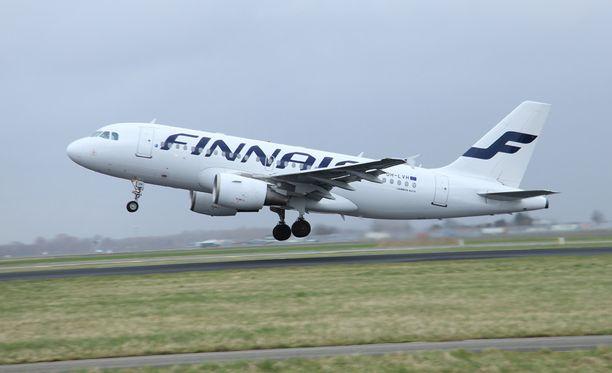 Finnairin koneen lähtö myöhästyi, koska koneessa etsittiin hiirtä.
