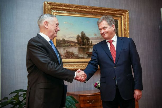 Presidentti Sauli Niinistö tapasi Yhdysvaltain puolustusministeri James Mattisin 6. marraskuuta 2017.