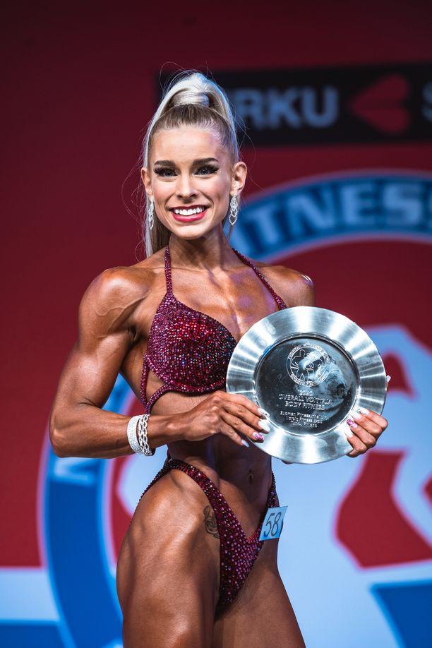 Dina Kaspi oli ykköstähti body fitnessissä.